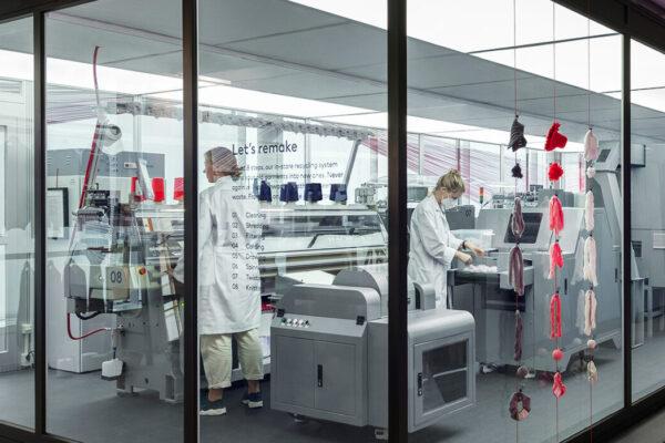 H&M lancia Looop: il primo sistema di riciclo in negozio