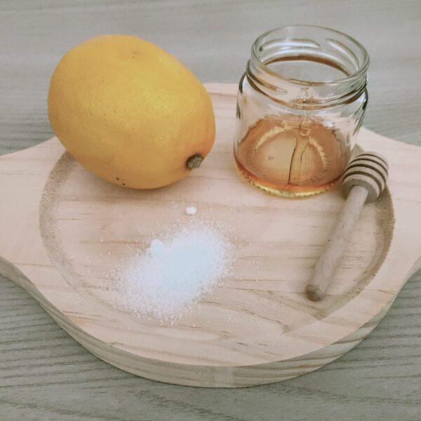 Scrub e maschera viso con miele, zucchero e limone!